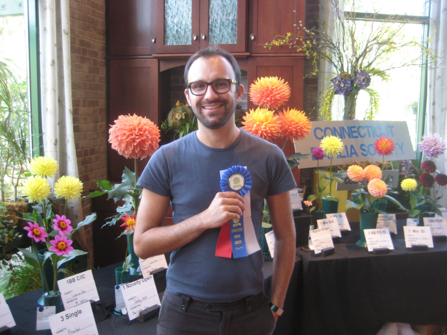Ivan Bogdanov CT Dahlia Society 2012 Show Novice Winner